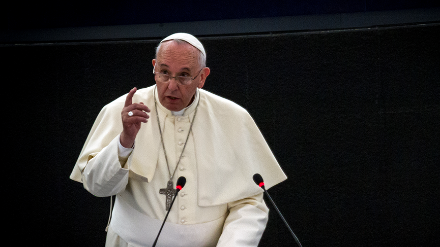 Pope Francis: Good politics is at the service of peace