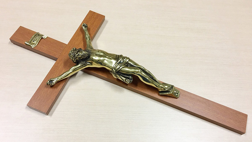 City Hall crucifix to be removed